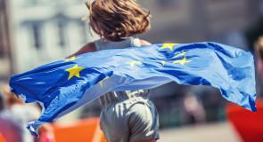 """""""Made by two hands"""": le mani dei bimbi che tengono unita l'Europa"""