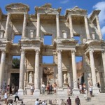 La biblioteca di Celso, Efeso, Turchia (ph. Miki 2004, Wikimedia)