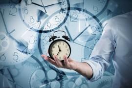 Orologio marcatempo: distinguo tra personale ATA e docenti